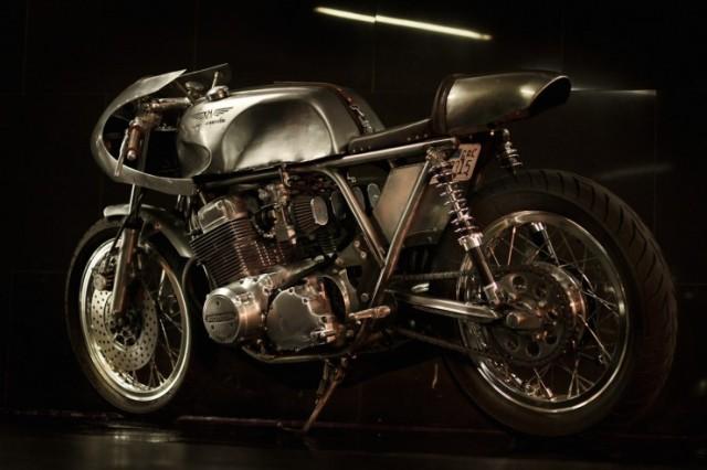 Honda-CB-750-Motorcycle-11-740x493