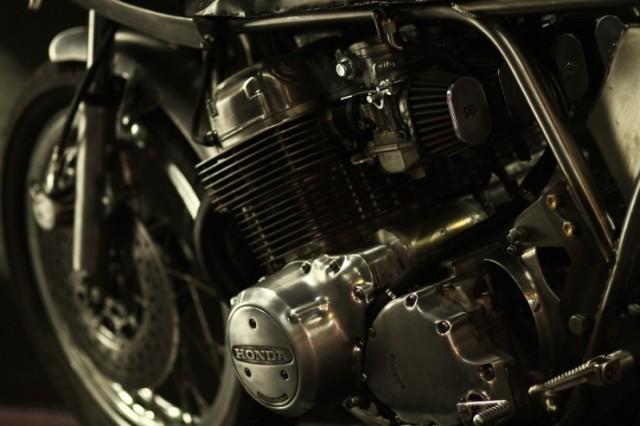 Honda-CB-750-Motorcycle-7-740x493