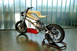 E-RAW-moto-électrique-bois-design-Martin-Hulin-blog-espritdesign-1