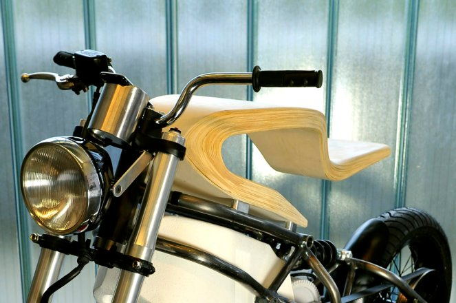 E-RAW-moto-électrique-bois-design-Martin-Hulin-blog-espritdesign-3