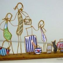 accessoires-de-maison-depart-en-vacances-figurines-e-18353135-maman-et-ses-fi-jpg-6d26b_236x236