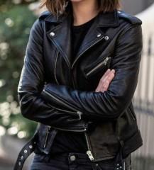 cuir-veste-perfecto-pour-femme-tendance-s-habiller-bien-comme-rock-star