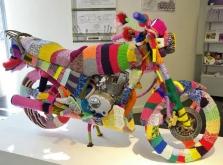 yarn-bombing-knitted-bike-2